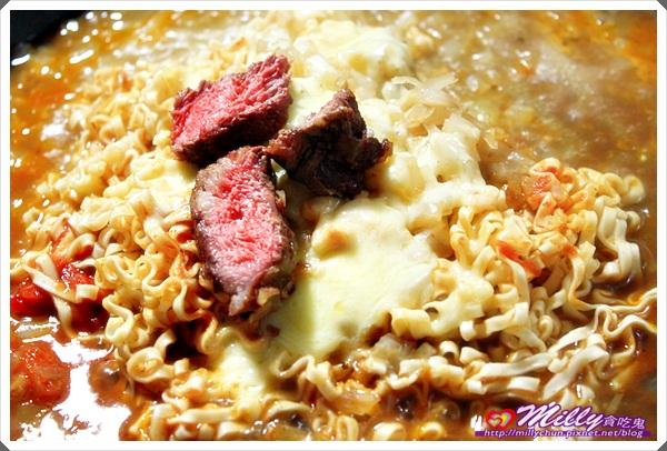 牛肉起司醬拌麵